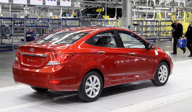 Hyundai Solaris Light Red