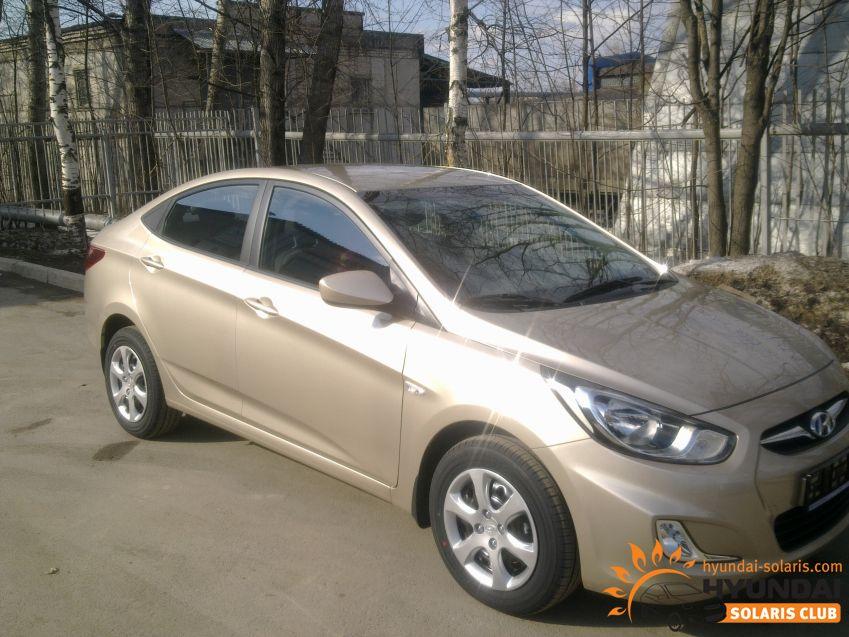 b Solaris - Hyundai.