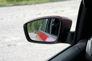 складываются ли зеркала у фольксваген поло седан