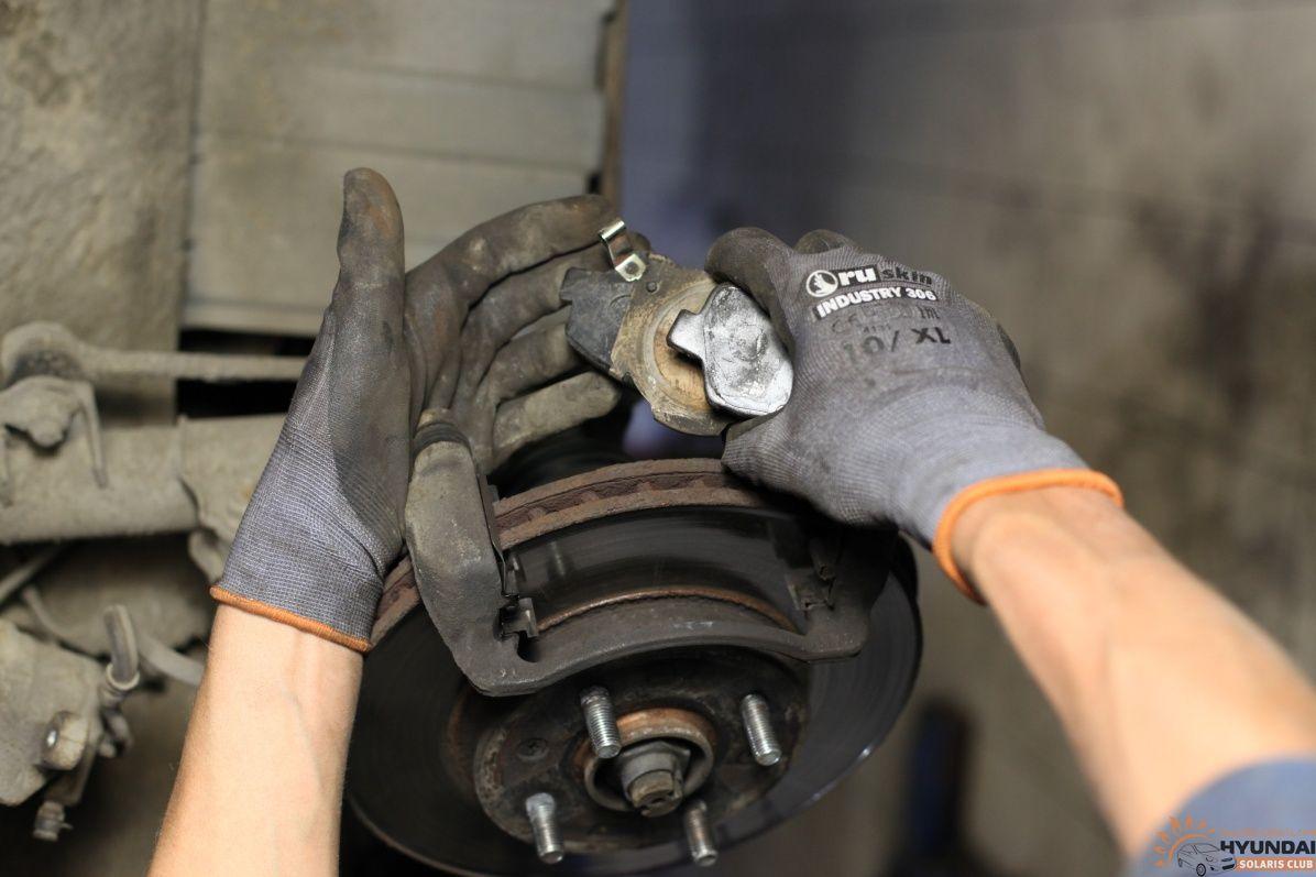 Замена передних тормозных дисков на солярисе своими руками 522
