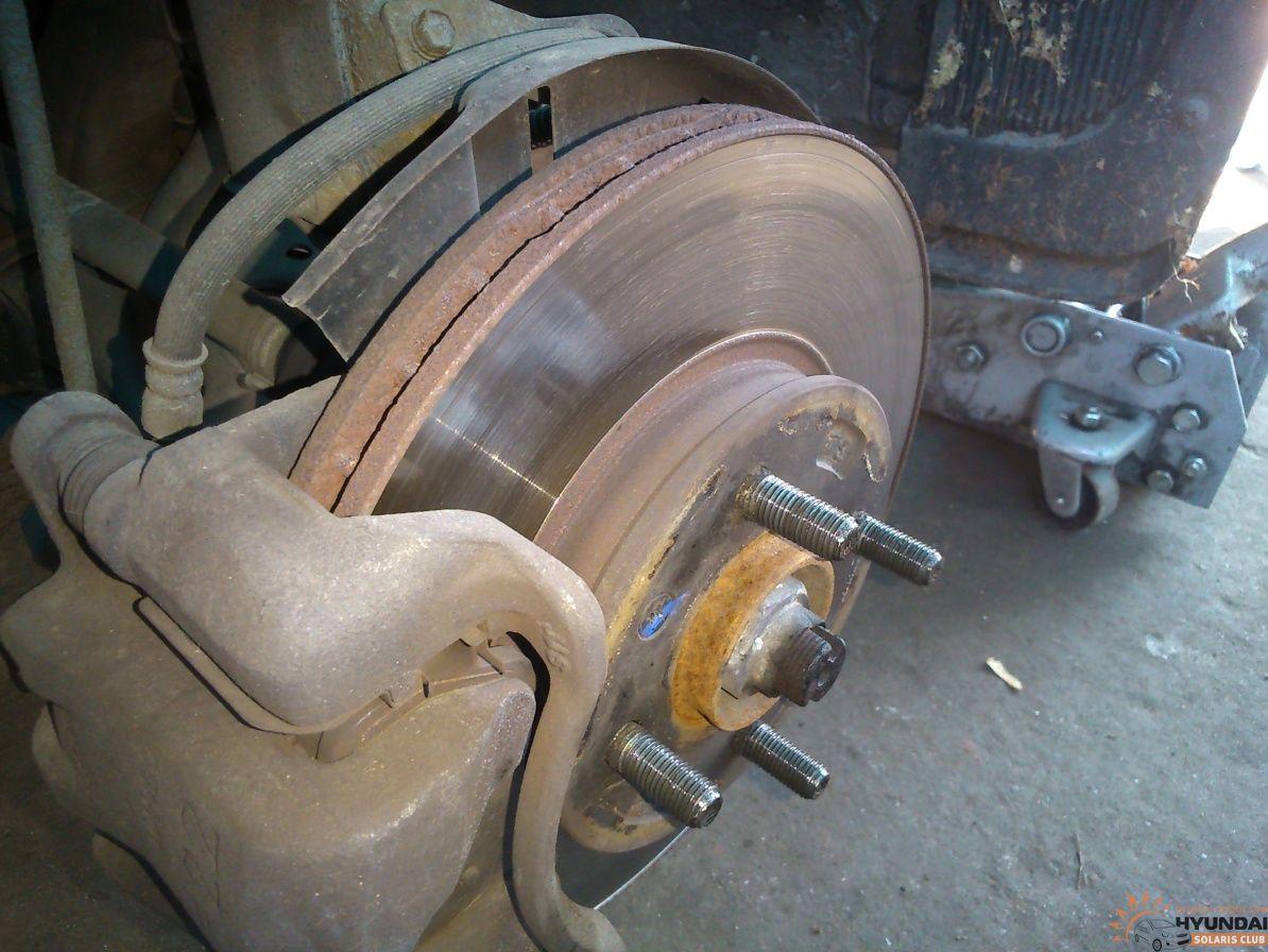 Замена передних тормозных дисков на солярисе своими руками 531